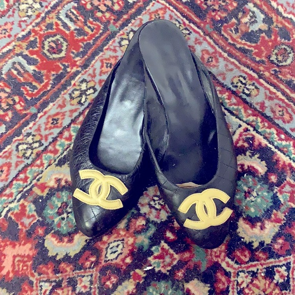 Authentic Vintage CHANEL quilted low heeled mules
